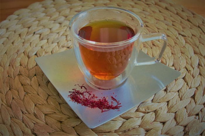 Tea with saffron
